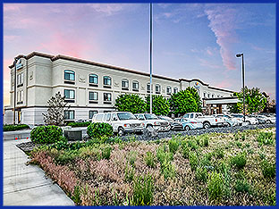 The Comfort Inn & Suites hotel features 103 rooms, high-speed Internet access, indoor heated pool with hot tub, fitness center, and complimentary hot breakfast.